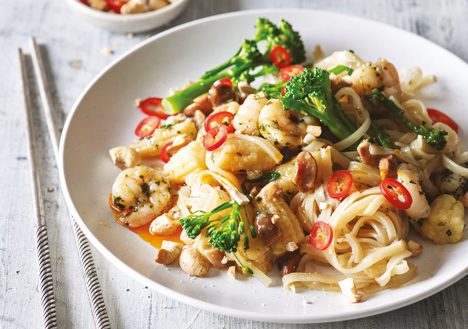 Drunken Noodles with Tiger Prawns