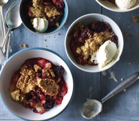 Bramley Apple & Blackberry Crumble